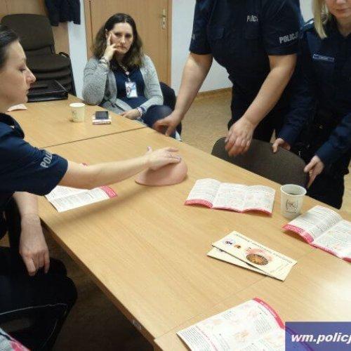 ORKIESTRA POLICYJNA ZAGRAŁA DLA PAŃ