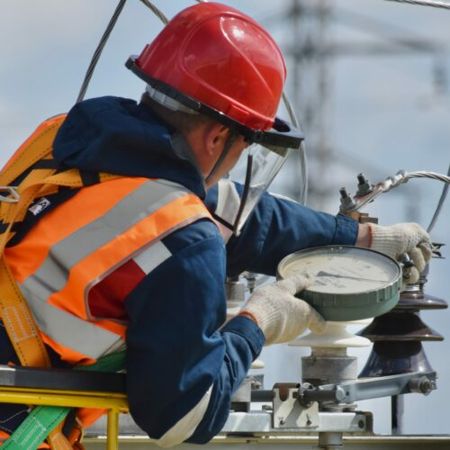 Elektryk – gdzie we Wrocławiu można znaleźć specjalistę od instalacji elektrycznych ?